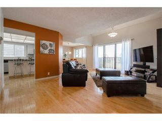 Photo 10: 5939 COACH HILL Road SW in Calgary: Coach Hill House for sale : MLS®# C4102236