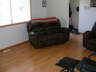 Photo 8: 207 PINECLIFF Way NE in Calgary: Pineridge Detached for sale : MLS®# A1032547