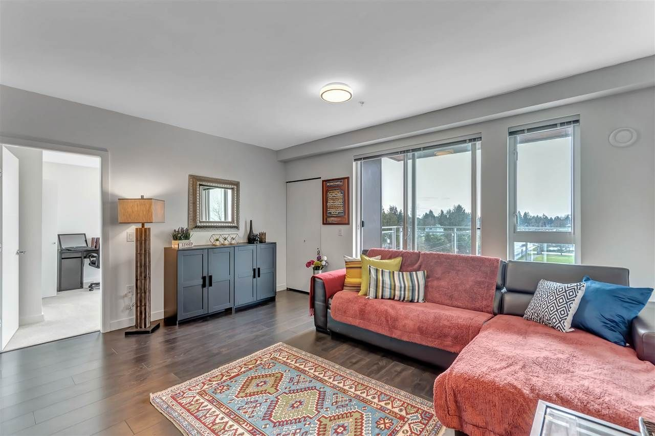 """Photo 2: Photos: 511 10581 140 Street in Surrey: Whalley Condo for sale in """"HQ-THRIVE"""" (North Surrey)  : MLS®# R2550451"""