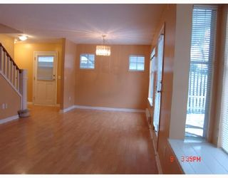 Photo 3: 33 12099 237TH Street in Maple_Ridge: East Central Townhouse for sale (Maple Ridge)  : MLS®# V680679