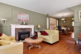 """Photo 3: 21547 87B Avenue in Langley: Walnut Grove House for sale in """"Forest Hills"""" : MLS®# R2101733"""