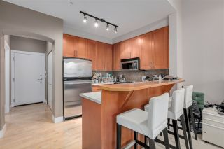 """Photo 3: 2403 4625 VALLEY Drive in Vancouver: Quilchena Condo for sale in """"ALEXANDRA HOUSE"""" (Vancouver West)  : MLS®# R2419187"""