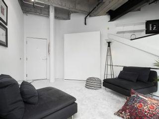Photo 3: 311 1061 Fort St in Victoria: Vi Downtown Condo for sale : MLS®# 866095