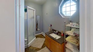 Photo 12: 74 Woodland Street in Clark's Harbour: 407-Shelburne County Residential for sale (South Shore)  : MLS®# 202109109