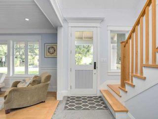 Photo 2: 1519 FARRELL Crescent in Delta: Beach Grove House for sale (Tsawwassen)  : MLS®# R2578933