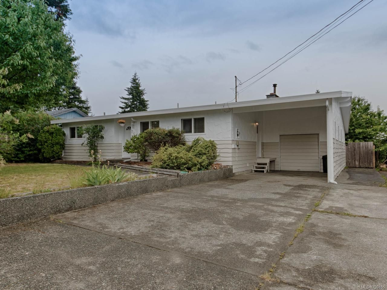 Main Photo: 757 Ralph Hutton Dr in CAMPBELL RIVER: CR Campbell River Central House for sale (Campbell River)  : MLS®# 790155