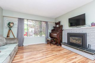 Photo 5: 2343 Orchard Ave in Sidney: Si Sidney South-East House for sale : MLS®# 855476