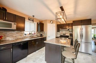 Photo 7: 39 Sierra Nevada Way SW in Calgary: Signal Hill Detached for sale : MLS®# C4302227