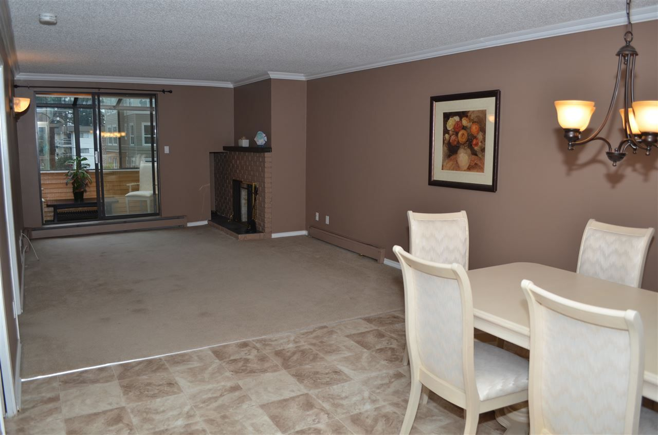 """Main Photo: 303 32098 GEORGE FERGUSON Way in Abbotsford: Abbotsford West Condo for sale in """"HEATHER COURT"""" : MLS®# R2015728"""