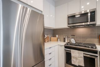Photo 10: 317 8150 207 Street: Condo for sale in Langley: MLS®# R2562437