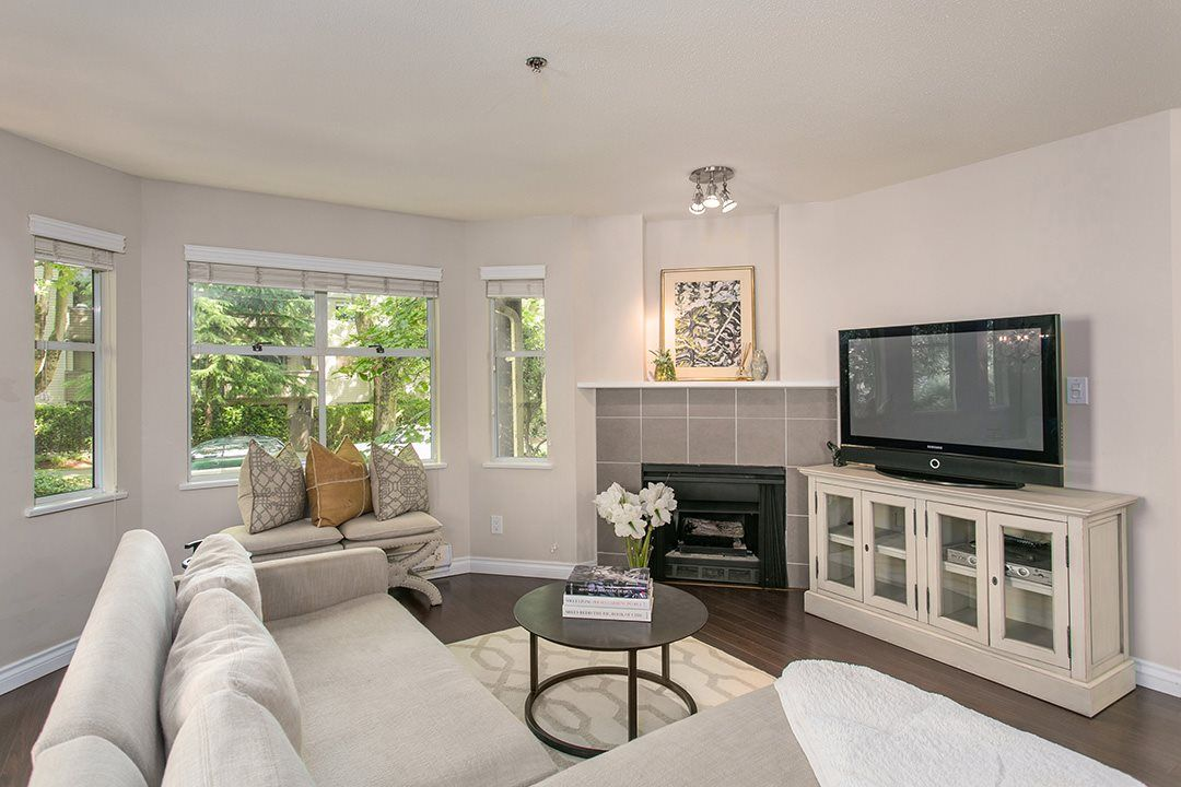 """Main Photo: 1445 WALNUT Street in Vancouver: Kitsilano Townhouse for sale in """"KITS POINT"""" (Vancouver West)  : MLS®# R2090104"""