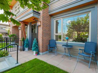 Photo 3: 764 E 29TH AVENUE in Vancouver: Fraser VE Townhouse for sale (Vancouver East)  : MLS®# R2142203