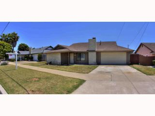 Photo 1: OCEANSIDE House for sale : 5 bedrooms : 2105 Maxson
