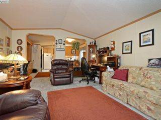 Photo 5: 21 1581 Middle Rd in VICTORIA: VR Glentana Manufactured Home for sale (View Royal)  : MLS®# 799550