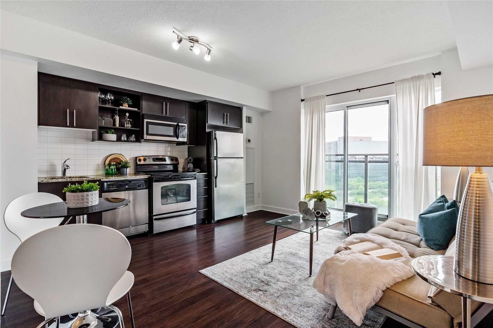Main Photo: 817 120 Dallimore Circle in Toronto: Banbury-Don Mills Condo for sale (Toronto C13)  : MLS®# C5310379