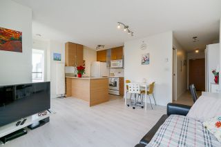 """Photo 6: 1407 977 MAINLAND Street in Vancouver: Yaletown Condo for sale in """"YALETOWN PARK 3"""" (Vancouver West)  : MLS®# R2524539"""