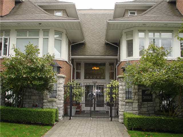 """Main Photo: 202 3088 W 41ST Avenue in Vancouver: Kerrisdale Condo for sale in """"THE LANESBOROUGH"""" (Vancouver West)  : MLS®# V1127321"""