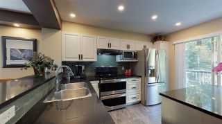 """Photo 3: 138 6747 203 Street in Langley: Willoughby Heights Townhouse for sale in """"Sagebrook"""" : MLS®# R2396835"""