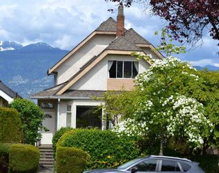 Photo 2: 3731 W 14TH Avenue in Vancouver: Point Grey House for sale (Vancouver West)  : MLS®# R2578256