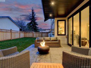 Photo 2: 1748 Coronation Ave in VICTORIA: Vi Jubilee House for sale (Victoria)  : MLS®# 828916