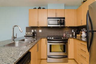 "Photo 11: D401 8929 202ND Street in Langley: Walnut Grove Condo for sale in ""THE GROVE"" : MLS®# F1428782"