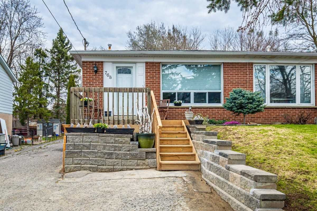 Main Photo: 768 Sunnypoint Drive in Newmarket: Huron Heights-Leslie Valley House (2-Storey) for sale : MLS®# N5189374