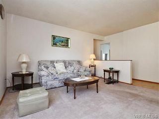 Photo 3: 633 Manchester Rd in VICTORIA: Vi Burnside House for sale (Victoria)  : MLS®# 743952