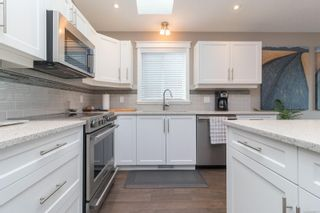 Photo 13: 49 7586 Tetayut Rd in : CS Hawthorne Manufactured Home for sale (Central Saanich)  : MLS®# 886131