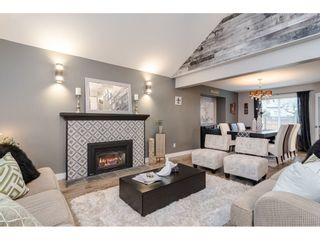 """Photo 2: 18677 61A Avenue in Surrey: Cloverdale BC House for sale in """"EAGLECREST"""" (Cloverdale)  : MLS®# R2426392"""