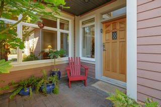 Photo 3: 6 974 Sutcliffe Rd in : SE Cordova Bay Row/Townhouse for sale (Saanich East)  : MLS®# 883584