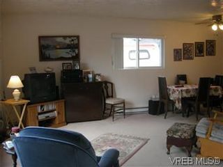 Photo 2: 25 1215 Craigflower Rd in VICTORIA: VR Glentana Manufactured Home for sale (View Royal)  : MLS®# 565978