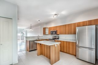 """Photo 4: 144 2000 PANORAMA Drive in Port Moody: Heritage Woods PM Townhouse for sale in """"Mountain's Edge by Parklane"""" : MLS®# R2620218"""