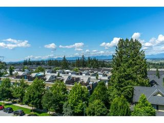 "Photo 18: 414 15850 26 Avenue in Surrey: Grandview Surrey Condo for sale in ""SUMMIT HOUSE"" (South Surrey White Rock)  : MLS®# R2298046"