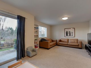 Photo 18: 7 1900 Watkiss Way in : VR Hospital Row/Townhouse for sale (View Royal)  : MLS®# 869827