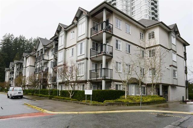 Main Photo: 213 14877 100 Avenue in Surrey: Condo for sale : MLS®# R2443818