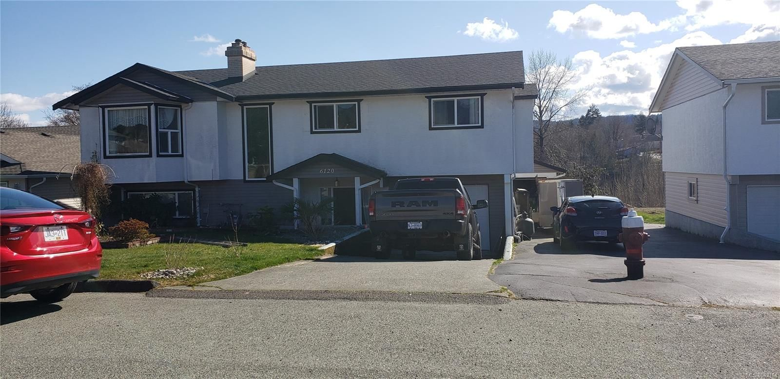 Main Photo: 6120 Russell Pl in : PA Port Alberni House for sale (Port Alberni)  : MLS®# 862164