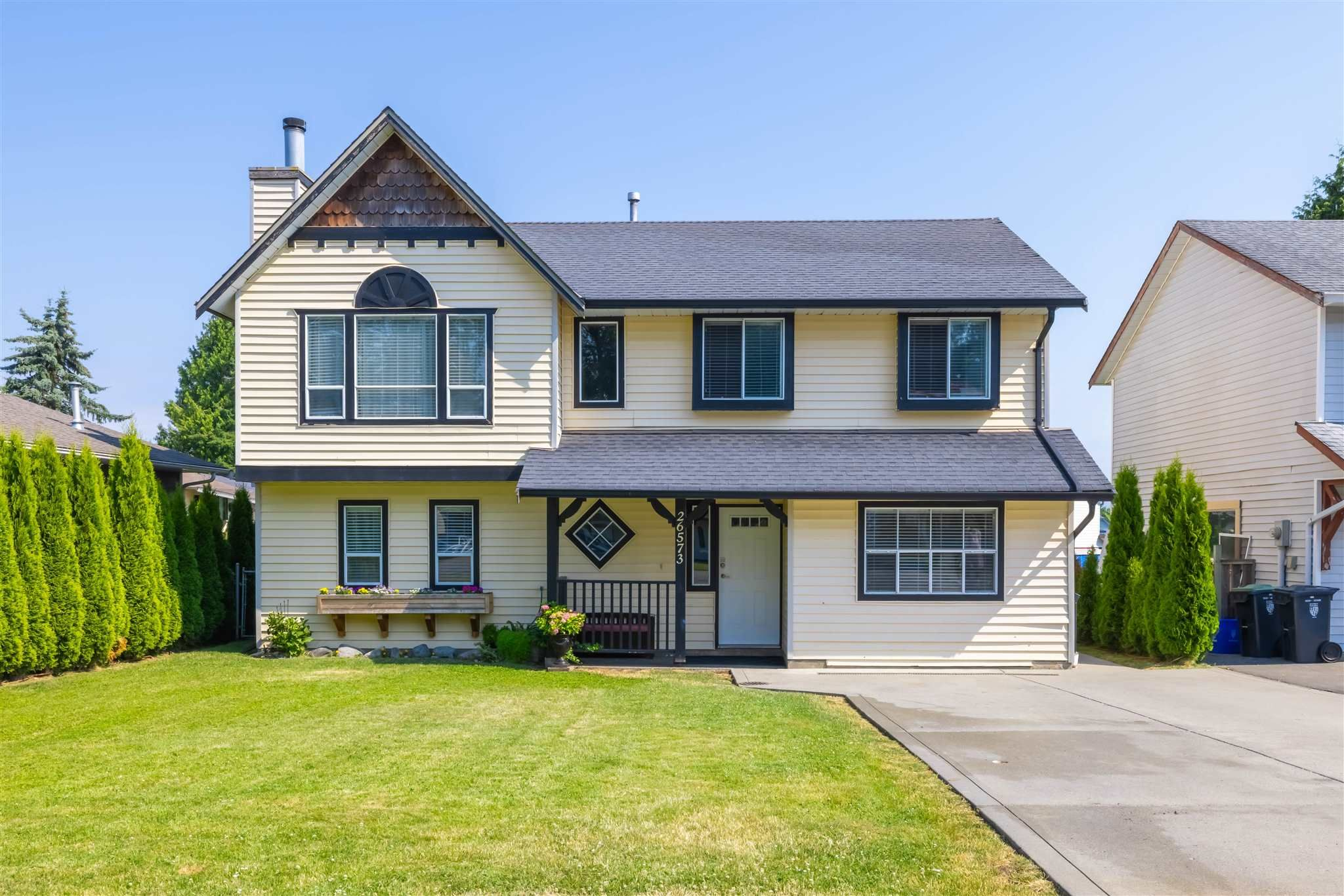 Main Photo: 26573 29B Avenue in Langley: Aldergrove Langley House for sale : MLS®# R2598515