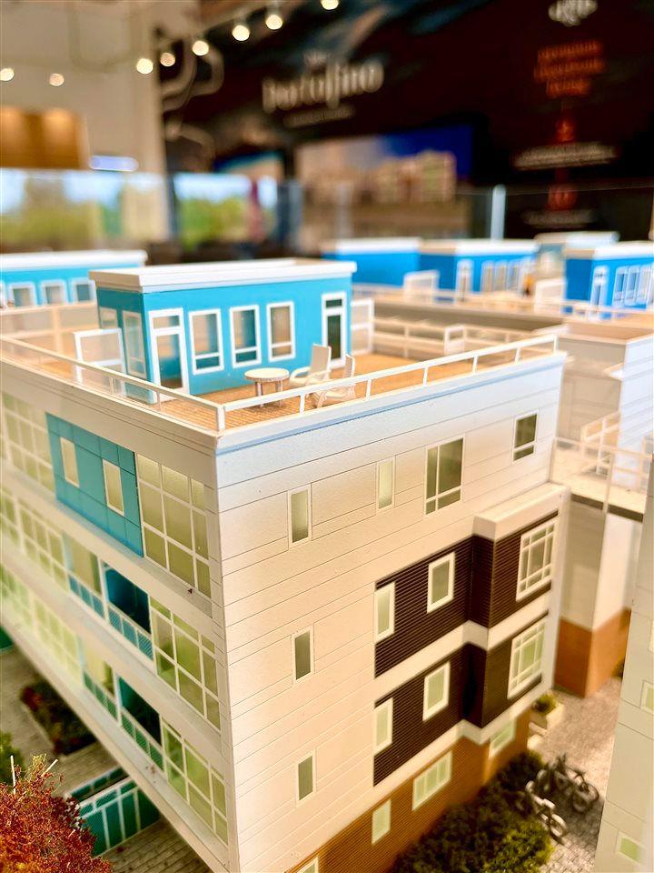 Main Photo: SL44 10333 RIVER Road in Richmond: Bridgeport RI Townhouse for sale : MLS®# R2581774