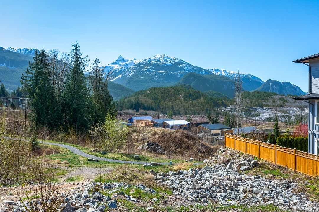 """Main Photo: 2958 STRANGWAY Place in Squamish: University Highlands House for sale in """"UNIVERSITY HEIGHTS"""" : MLS®# R2555443"""