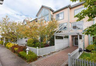Photo 2: 207 2278 James White Blvd in Sidney: Si Sidney North-East Condo for sale : MLS®# 843942
