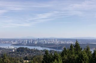 Photo 4: 1436 SANDHURST Place in West Vancouver: Chartwell House for sale : MLS®# R2610774