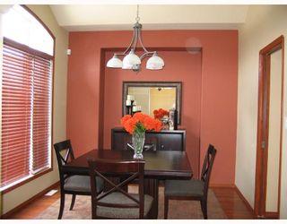 Photo 5: 134 WILLMINGTON Drive in WINNIPEG: Windsor Park / Southdale / Island Lakes Residential for sale (South East Winnipeg)  : MLS®# 2803972
