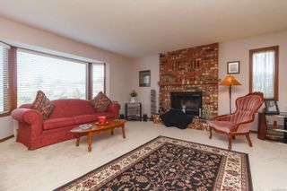 Photo 4: 4279 Burbank Cres in : SW Northridge House for sale (Saanich West)  : MLS®# 865741
