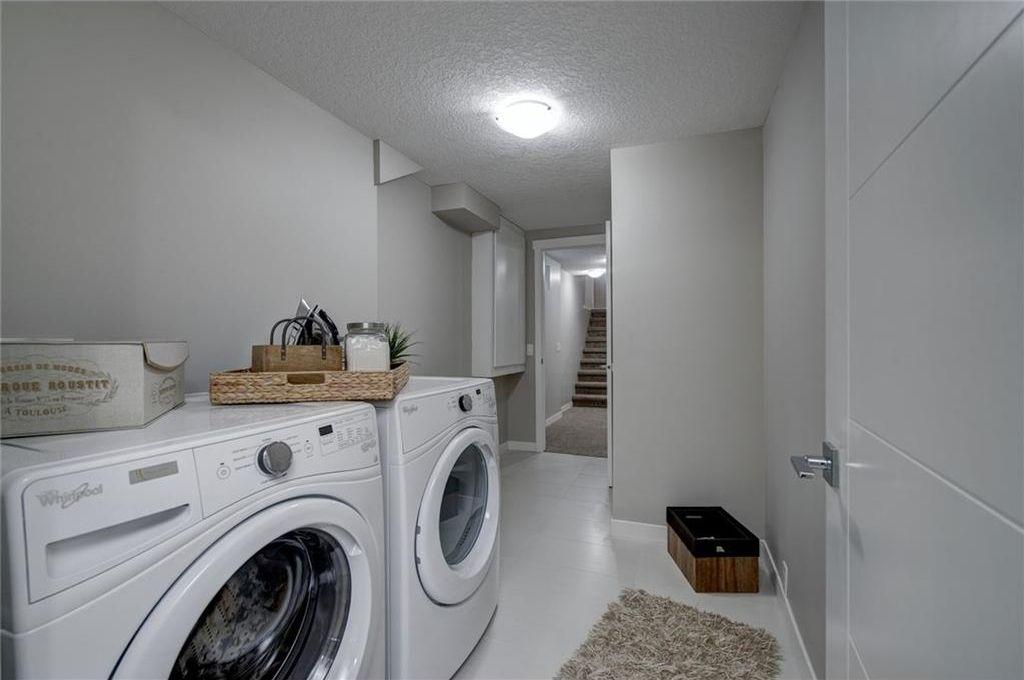 Photo 44: Photos: 210 OAKMOOR Place SW in Calgary: Oakridge House for sale : MLS®# C4111441