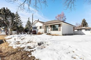 Photo 2: 48 Grafton Drive SW in Calgary: Glamorgan Detached for sale : MLS®# A1077317
