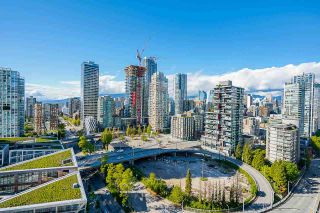 """Photo 10: 2306 550 PACIFIC Street in Vancouver: Yaletown Condo for sale in """"AQUA AT THE PARK"""" (Vancouver West)  : MLS®# R2580725"""
