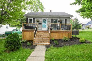 Photo 1: 3696 Albert Street in Halifax: 3-Halifax North Residential for sale (Halifax-Dartmouth)  : MLS®# 202116346