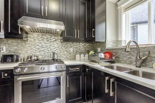 Photo 10: 27600 RAILCAR Crescent in Abbotsford: Aberdeen House for sale : MLS®# R2363166