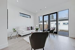 Photo 11: 504 14 Avenue NE in Calgary: Renfrew Detached for sale : MLS®# A1090072
