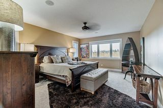 Photo 18: 30 Strathridge Park SW in Calgary: Strathcona Park Detached for sale : MLS®# A1151156